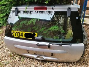 JEEP GRAND CHEROKEE WJ 2.7 CRD TAILGATE BOOTLID SILVER