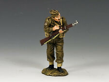 King & Country FOB084 The Scrounger - WWII Fields of Battle - British Soldier