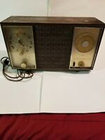 Vintage Zenith Clock Radio AM/FM Alarm clock MODEL M729