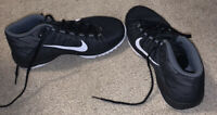 Nike Boys Zoom Ascention Black Basketball Shoes Lace Up Size 6Y White Swoosh