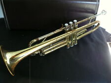 Yamaha YTR2320 Trumpet with case.
