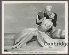 Yvonne De Carlo & Richard Greene 1950 The Desert Hawk Photo Arabian Nights J758