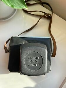Zenit 11 Manual 35 mm Camera with vintage case - Untested
