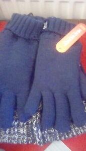 Children  hat and gloves 7-10 years.