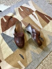 Vtg 70s Boho Brown Groovy Leather Patina Woven Platform Clogs Belt Detail 9