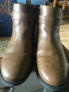 Ladies New Look Brown / tan Ankle Boots Size 5  Donnie. Worn Twice