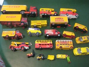 GROS LOT -  20 PVEHICULES  CIRQUES  PINDER-