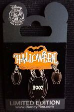 NEW DISNEY HALLOWEEN BATS HANGING 2007 LIMITED 1500 PIN AROUND THE WORLD