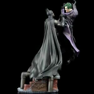 Warner Bros Batman Arkham Origins Statue VS Joker Collectors Edition DC Toys