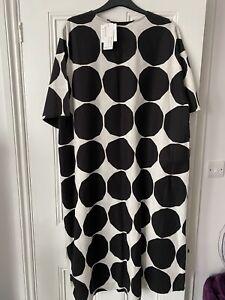 Ladies UNIGLO Marimekko black and white dress, Medium BNWT