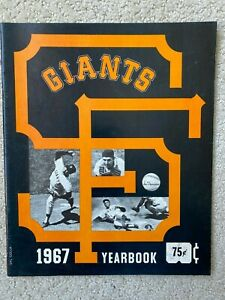 SAN FRANCISCO GIANTS YEARBOOK 1967 Willie Mays, Willie McCovey, Juan Marichal,