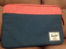 Hershel Laptop / Tablet Case 17inch