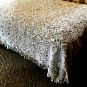 Vintage Hand Crocheted Coverlet Twin Size Bedspread