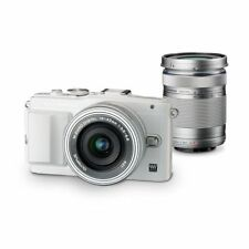 Near Mint! Olympus E-PL6 16MP with EZ 14-42mm + 40-150mm White - 1 year warranty