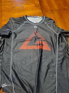 Gracie Barra Equipe Large Long Sleeve Rash Guard - No Reserve!!