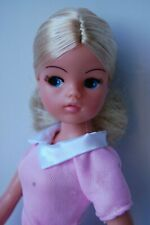 Sindy doll. Blonde 2 gen 1979-1981 with centre parting.