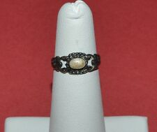 VINTAGE STERLING SILVER AND MOTHER OF PEARL RING SIZE 4