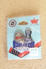 Detroit Red Wings 2002 Stanley Cup trophy Champion lapel pin
