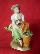 STUNNING ANTIQUE SITZENDORF PORCELAIN FIGURE OF A GIRL FRUIT SELLER