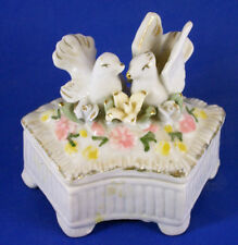 WHITE CERAMIC JEWERLY BOX, TRINKETS, 2 WHITE DOVES, FLOWERS, CRESENT, PINK, LILY