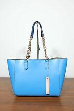 Zweien Träger im Shopper/Umwelttaschen-Stil aus Leder mit Magnetverschluss
