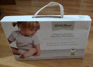 The Little Green Sheep Organic Waterproof Moses Basket/Pram Mattress Protector