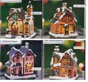 Weihnachtshaus Weihnachtsdorf mit LED-Beleuchtung 4 Stück + Batterie NEU Kirche