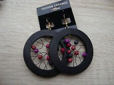 Markenlose Mode-Ohrschmuck aus Holz mit Durchzieher-Verschluss