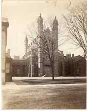 Angleterre Yale, Vintage albumen print  Tirage albuminé  18x24  Circa 1890