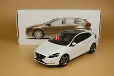 1:18 Volvo V40 WHITE color model + gift