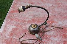 Ancien pied de lampe de bureau en métal orientable - vendu en l'état----//A3//