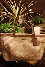 Coach 17676 - IVORY BEIGE BAG Gallery Tote (P800)