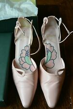 Women's Clarks Pink Leather Shoes Size 6.5