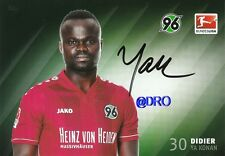 Didier ya konan + Hannover 96 + temporada 2014/2015 + original autografiada mapa +