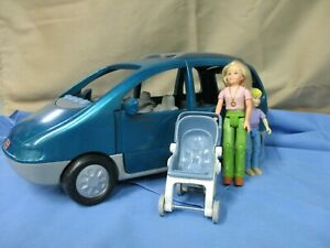 F.P. LOVING FAMILY DOLLHOUSE SOUNDS MINI VAN WITH /FIGURES STROLLER