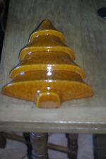 Moule ancien a gateau  en terre cuite émaillé en forme de sapin, tres rare