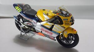 Valentino Rossi. Honda NSR500. GP LeMans2001. Minichamps 1/12.