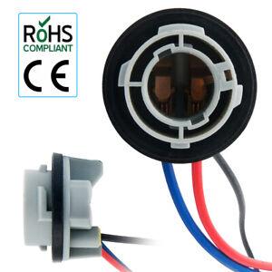 2PCS 12V Car Bulb Holder Socket Adapter Tail Stop Light Globe Universal New