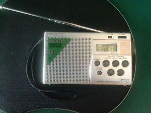 SONY ICF-M260 Silver - Radioricevitore portatile compatto con sintonia digitale