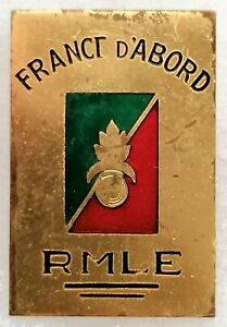 RARE FRENCH FOREIGN LEGION MARCH REGIMENT OFFICERS BADGE 1944 (ENAMEL & METAL)
