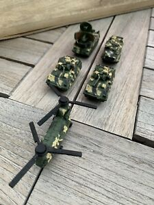 Micro Machines Military - Freedom Force Helicopter & Tanks Set X5 (Green Camo)