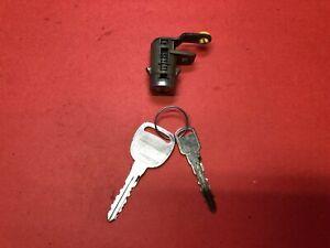2000-2005 CADILLAC DEVILLE DRIVER FRONT LEFT DOOR LOCK CYLINDER 2 KEYS USED OEM!