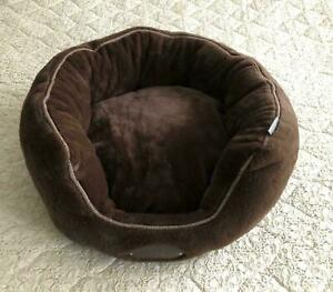 Wainwrights dog bed dog's best friends brown fluffy bed removeable cushion new
