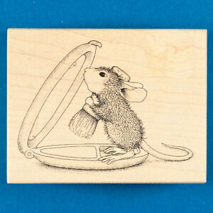 House Mouse Amanda Shines Rubber Stamp - Mouse Does Makeup on Compact Mirror