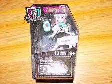 Mega Bloks Megabloks Monster High Rochelle Doll Collection 3 13 Pieces New