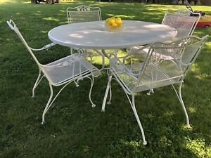 Woodard WROUGHT IRON PATIO Outdoor FURNITURE 4 MESH CHAIRS & OVAL DINING TABLE