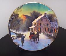 Home For The Holidays Avon 1988 Christmas Plate w/ Stand Trimmed in 22K