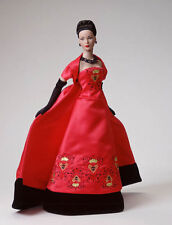 Tonner 'Queen of Hearts' w COA-stored w gloves removed -arms unstained Pristine