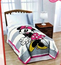 NWT - DISNEY Minnie Mouse Twin Plush Bed Blanket - Pink Gray & White