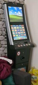 Arcade quiz machine